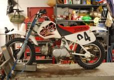 How-To: Motorcycle Carburetor Clean Honda XR70R